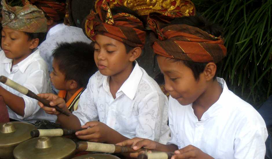 Bali - young musicians